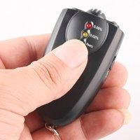 Wholesale Portable Keychain Red Light LED Flashlight Alcohol Breath Tester Breathalyzer Mini Professional Key Chain Alcohol Meter Analyzer