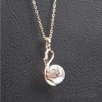 Wholesale Fashion Necklace Cute Little Swan Pendants Necklaces Inlaid With Crystal