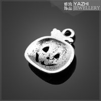 Wholesale DIY Antique silver pendant charm Pumpkin charm in Halloween Day jewelry Findings Components