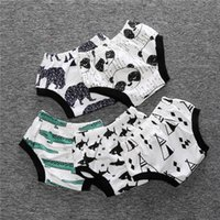 Wholesale 2016 Ins Baby Shorts Summer Animal Striped Shorts Kids PP Shorts Baby Bloomers Boys and Girls Briefs Diaper Triangle Pants Colors