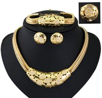 big gifts shorts - Necklace Earrings Set The new high end big European and American short Circle Pendant Necklace Fashion stitching lady Necklace models