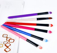 Wholesale new long pole color fashion eye shadow brush beginners essential makeup brush beauty makeup tools