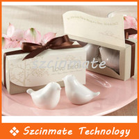 Wholesale Ceramic Wedding Gifts Favors for Guests Love Birds Salt and Pepper Shakers pairs