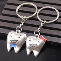 Wholesale 1 Pair Cartoon Teeth Keychain Dentist Decoration Key Chains Stainless Steel Tooth Model Shape Dental Clinic Gift