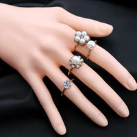 Wholesale Retro Women Open Ring With Pearl And Rhinestone set Fashion Flower Jewelry Girls Finger Ring