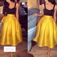 al por mayor faldas de satén amarillo-Amarillo brillante acanalado falda de raso longitud de la rodilla de alta calidad faldas simples para las mujeres hechas a mano de alta calidad chic superior más barato falda tutú 15A
