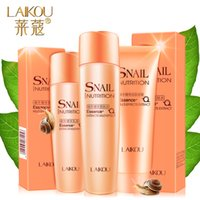 Wholesale Snail Extract Skin Care Cosmetic Set Women Face Whitening Anti wrinkle Anti Aging Hydrating Moisturizing Product