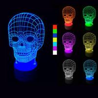 Precio de Tonelada de color-Lámpara ligera creativa del color LED del cráneo del color 3D de la luz 3D del cráneo del iLLusion, 7 colores cambian las luces de la escultura del arte producen las lámparas únicas del escritorio