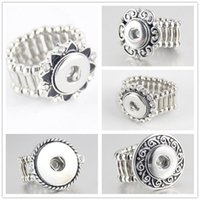 Wholesale Mixed high quality Elegant crystal Round Metal elastic snap button ring trendy flexible fit MM MM Noosa Button Ring women R005