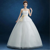 Wholesale Bride use Sleeveless Design and Tulle Fabric Type ball gown wedding dresses and Lace Decoration Wedding gown