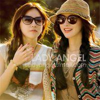 el envío libre al por mayor del otoño mujeres de la manera del sombrero de paja playa rayado del color del sombrero de Sun plegable sombrero esencial del nuevo verano