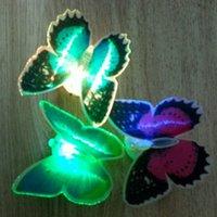 Noche de mariposa España-Luces Lifelike de la noche de la mariposa del LED que destellan las luces de la mariposa del LED Decoración de las habitaciones de los niños Regalos de Navidad Juguetes Buen embalaje YD01