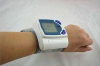 Wholesale health care digital automatic wrist blood pressure monitor Pulse Heart Rate Cuff Blood Pressure Measurement Sphygmomanometer