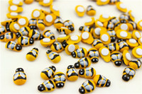 Wholesale 1000PCS Wood Mini Yellow Bee Stickers Fly Fridge Sticker D Wall Stickers Classroom Ornament Wood Crafts jy747
