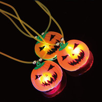 Wholesale Kids Toys Halloween Decoration LED Cartoon Necklace Glow Flashing Pumpkin Pendant Festive Party Necklace Product Code