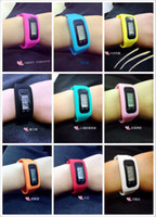 Wholesale 200pc pedometer candy color intelligent fitness tracker silicone health bracelet sports running pedometer fashion LED screen touch D874