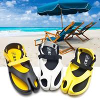 Wholesale Newest Summer Outdoors Comfortable Casual Footwear Slippers slide footwear Wide flip flops Beach shoes sandals For Men