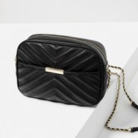 Wholesale new woman balck handbagsEuropean and American fashion chain embroidery zipper Shoulder Messenger small square package