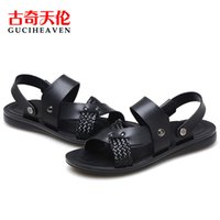 beach walks - 2016 Guciheaven comfortable C6z0035 Men s Beach Sandals Upstream Outdoor Sports Shoes black brown Breathable Walking Shoes