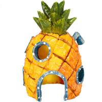 Wholesale Hot Sale Mini Resin Pineapple Cartoon House Landscaping Fish Tank Aquarium Decoration Ornament Home Decor Escape Hole x7cm