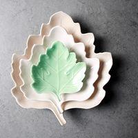 Wholesale Porcelain Dishes Plates Made in Japan Ceramic Porcelain Pigmented Leaves Irregular Inch Pastoral Cake Snack Bones Dish
