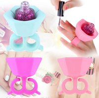 Wholesale Ring Nail Polish Bottle Holder Flexible Wearable Art Tips Polish Silicone Stand Holder Bonbon Soft Finger Ring Bottle color LJJK389
