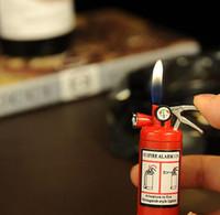 Precio de Fire extinguisher-Mini extintor estilo de forma Gas butano Jet encendedor de cigarrillos cigarro con linterna LED recargables encendedor de gas n