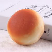 Wholesale 10 cm rare blando pan Jumbo blando suave pan unids venta al por mayor dollar price kawaii squishies lanyards