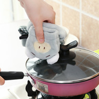Wholesale New Cleaning Cloths cartoon super absorbent coral fleece wipes multifunctional suction wipes dishwashing towel hanging in the kitchen