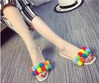 2016 Cute Summer Colorful Plush Ball Femmes Chaussons Indoor Sandales plates Femmes Chaussures