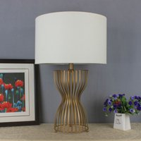 Wholesale Bedside reading room foyer sitting room living room decorativeMetal Table Lamp with Fabric lampshade for Home and Hotel Deco