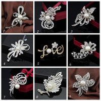 animal shapes love - Hot Fashion Elegant Brooch LOVE Pearl Wedding Christmas Brooch Fashion Jewelry Women s Bra Pin Animal Brooches Gift Flower Shape