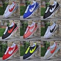 al por mayor zapato de la mujer al aire libre-Hot nuevas marcas de los zapatos ocasionales hombres y mujeres Cortez zapatos de ocio Conchas zapatos de moda de cuero de las zapatillas de deporte al aire libre del tamaño 36-44