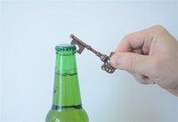 venda por atacado promoção de cerveja-Os agregados familiares de promoção da novidade Mini UK sugam KeyChain Chaveiro ferramenta de abertura Beer bottleopener Coca Can com anel