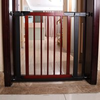 Wholesale New Arrival Easy to Install Baby Safety Gate Wood Toddler Protector Pet Isolation Gate Stairs Fence Door Safety Grids VT0382