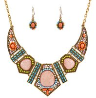 Wholesale Women Choker Statement Necklace Fashion Alloy Hollow Exaggerated Geometric Color Resin Diamond Clavicle Chain Necklace Set