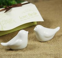Wholesale Love Birds in The Window Wedding Party Favor Romance Gift Ceramics Salt Pepper Shaker Kitchen Accessories