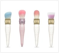 Wholesale les Merveilleuses LADUREE Cheek Powder Foundation Brush The Queen s Beauty Cosmetics Makeup Brushes Blender DHL