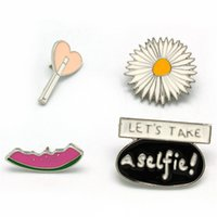 Wholesale Enamel Cartoon Brooches for Women Small Cute Lovely Funny Brooches Silver Plated Fashion Jewelry Daisy Watermelon Button Collar Pins Badges