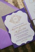 Acheter Or pourpre cartes d'invitation de mariage-Livraison gratuite à un endroit Fancy Ornate Shape Purple Glitter Invitations de mariage avec carte d'invitation Gold Lette, carte de réponse carte détaillée
