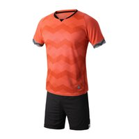 Cheap wholesale Sportswear Men Running wear sets football soccer team kits Breathable Moisture Wicking Quick dry Short sleeve jersey and shorts