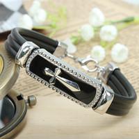 Bracelets de charme chaud Bracelet en cuir noir pour hommes et femmes Bracelet en alliage multicouches en alliage Large Bracelets en cuir noir Jewe