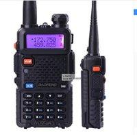 Wholesale 2 piece baofeng dualband UV R walkie talkie radio dual display mHZ two way radio with free earpiece BF UV5R