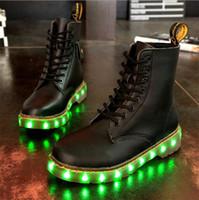 Bottes d'hiver LED Chaussures Noir Light Up Chaussures Lumineuses USB Unisex Charge Chaussures colorées Glowing Livraison gratuite