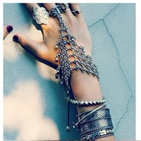 Wholesale Bohemian summer style holllow out flower bracelets bangle for women alloy vintage silver plated link bracelets