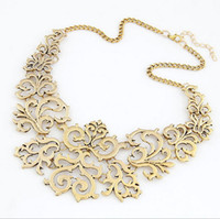 Wholesale New exaggerated retro hollow carved short chain geometrical collar necklace sweater
