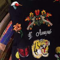 Acheter Noir cardigan tricoté-2016 femmes de la mode Sports occasionnels manteau des hommes à manches longues chandail Pulls Retour le tigre noir fleur de broderie long cardigan tricoté