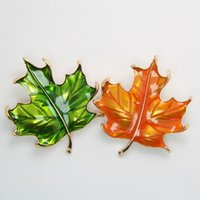 Wholesale Japan and South Korea version of retro transparent drip maple leaf contracted leaf brooch collar Leaf brooch only