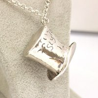 acting for film - Alice In Wonderland Hat Pendant Necklace for Women Men Fashion Jewelry Film Act the Role Ofing Is Tasted