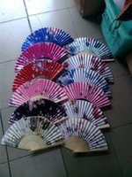 Wholesale bamboo folding fan holiday gift from Reliable gift stand